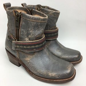 NWOB BED STÜ Gray Distressed Leather Boots